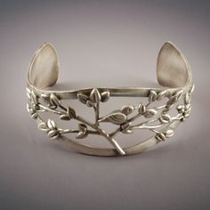 Treetop Cuff    ©2011 Vickie Hallmark  fine silver