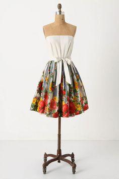 anthropologie summer, summer dresses, tea party dresses, flower dresses, summer outfits, backyard parties, anthropologie fashion, floral dresses, backyards