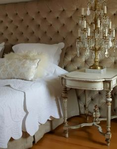 www.eyefordesignlfd.blogspot.com: Decorating With Tufted Headboards