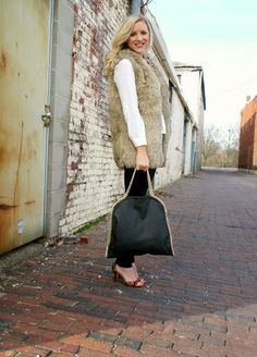 The Daily Sugar with a Deb Shops bag!