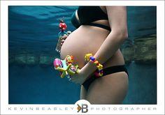 Underwater Maternity photo shoot - so unique