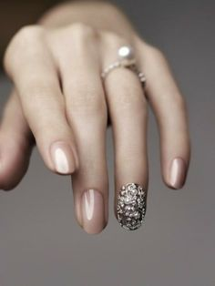 12 ideas for wedding nails.