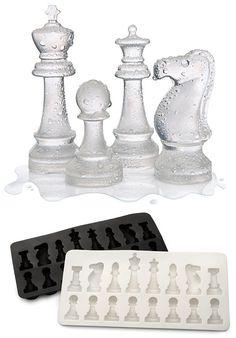 ...cubitos de ajedrez (cubiertas con forma de piezas de ajedrez)