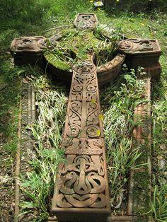 beautiful Celtic cross celtic gardens, celtic crosses, cemeteri, art, beauti, irish, celtic ireland, graveyard, thing