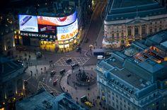 Лондон вночі - картинки на робочий стіл: http://wallpapic.com.ua/art-photos/london-at-night/wallpaper-20185