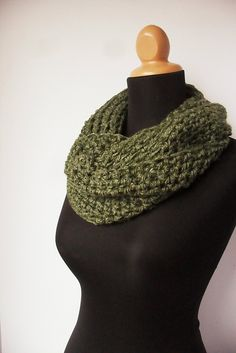 Ravelry: Pattern for a Chunky Cowl pattern by Chriss Smith