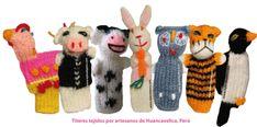Titeres de dedo (finger puppets) tejidos a palillos por artesanos de Huancavelica, Perú