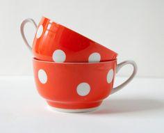 Vintage polka dot cups