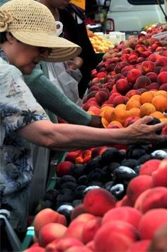 Attention: gardeners, growers and locavores, the season for farmers markets everywhere is near