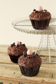 lava rOck cupcakes  http://ditziecakes.blogspot.com.es/