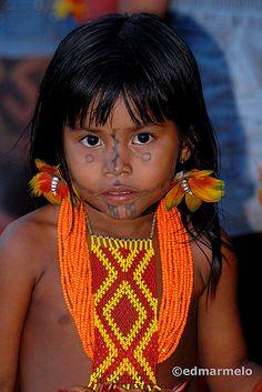 Brazil |  a young Karajá indian girl
