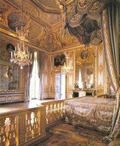 mermaidsongs:    Marie Antoinette's bedroom, Versailles