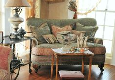 ❥ Anne Lorys Photography~ love this sofa! http://fionaandtwig.blogspot.com