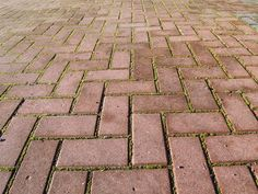 How to Lay a Brick Patio Easily