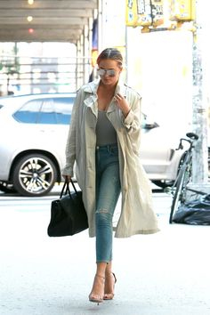 8 Times Gigi Hadid Nailed Off-Duty Beauty pictures