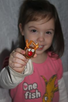 pretzel rolo rudolph treat