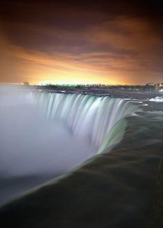 ✯ Niagara Falls by Night