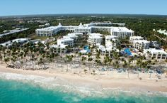 Located at the beach of Arena Gorda in Punta Cana, Dominican Republic, the new Hotel Riu Palace Bavaro (All inclusive 24h) is a perfect place for families, couples or friends to enjoy the high quality service of Riu, the comfort that offers a Palace and the beaches of this marvelous destination in the Caribbean. // Sitúa sobre la playa de Arena Gorda de Punta Cana, República Dominicana, el nuevo Hotel Riu Palace Bavaro (Todo Incluido 24h) es ideal para disfrutar de la calidad de servicio Riu.