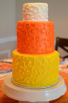 The Little Delights in Life: Tutorial Tuesday: Candy Corn Cake!