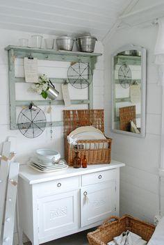 great shelf...Vita Ranunkler
