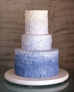 This ombre blue cake