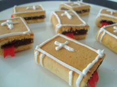 little crafts, fruit roll ups, first communion, food, communion party, sunday school snacks, fig newton, mini desserts, parti