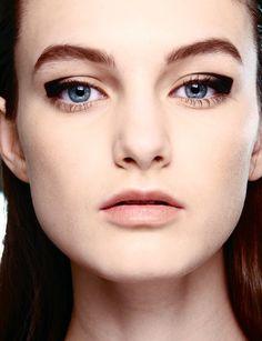 Different ways to wear eyeliner #makeup #sminke #auge #kajal