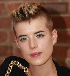 short hair, beauti hair, eye shadow, face shape, 08celebrityagy deyn艾潔妮絲迪恩, hairstyl, green eyes, faux hawk, agyness deyn
