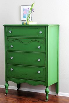 I love this dresser! green dresser, painted furniture, milk paint, old dressers, kelly green, antiqu, shades of green, bold colors, bedroom