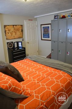 DIY Boys Bedroom Ideas @Pamela Dodge I have been searching for lockers forever! I want those ones!