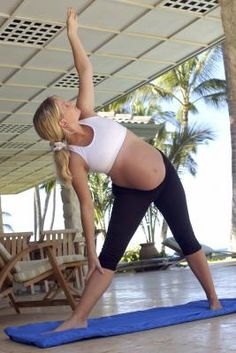 Love Handle Exercises For Pregnant Women | LIVESTRONG.COM