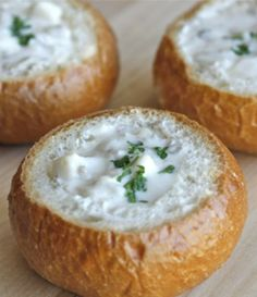 San Francisco's Mini Sourdough Bowls With Clam Chowder | The Hopeless Housewife®