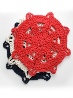 The Ship's Helm Dishcloth - Free Crochet Pattern (cute for nautical and beach themed homes)