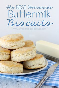 The BEST Homemade Buttermilk Biscuits #biscuits #breakfast #easy