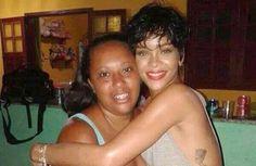 Rihanna mostra que é gente como a gente em casa de professora que a hospedou de graça