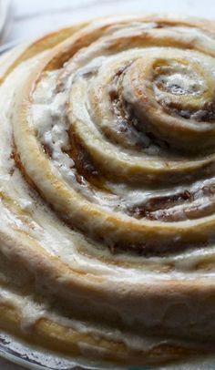 "gooey cinnamon roll ""cake"""