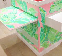 Lilly Pulitzer University Town Center Store in Sarasota's Painted Cash Wrap