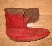A SIDE FOLD MOCCASIN PATTERN AND INSTRUCTIONS