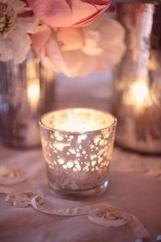 Ambiance tamisée pour la Saint Valentin. glasses, mercury glass, candle holders, candles, rose wedding, blush pink, glow, dusty rose, tea lights