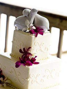 Simple square cake with orchids