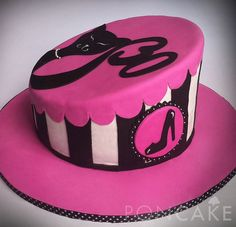 Fashionista Cake - Black & Pink Cake - Cat Cake - 30th Birthday Cake - Torta Fashionista - Torta Negro & Fucsia - Torta de Gato - Torta 30 Años