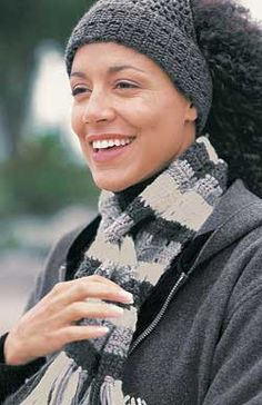 Ski band, bag and scarf in classic shades of grey complement any outfit. Ski band: one size. Scarf: 8