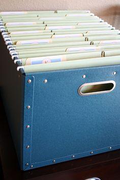School paperwork storage and free printable labels.
