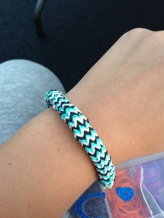 T rainbow loom bracelet