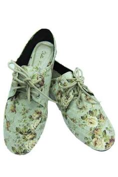 Floral sneaks. Want!