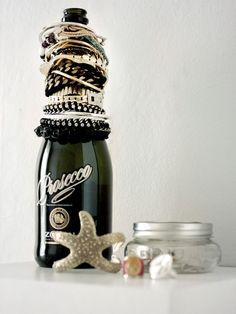 jewelry storage, champagne, bracelets, diy jewelry, jewellery storage, wine night, diy bracelet, wine bottles, storage ideas