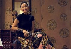 A tribute to Iwan Tirta the BATIK Maestro on Batik day 2012.Wearing the Iwan Tirta batik sarong, hand picked by the late Iwan Tirta himself. Rocking it with a simple black mock turtle neck and accessorising it with my rocker chic Alexander Mc Queen skull clutch and Sass & Bide Heraldic studded leather bracelet.