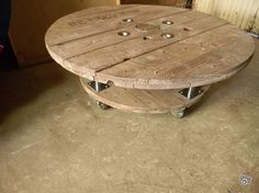 Touret on pinterest boutiques decorations and stools - Decoration table basse ...