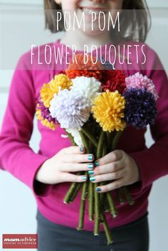 Pom-Pom Flower Bouquet from yarn and round lolly sticks