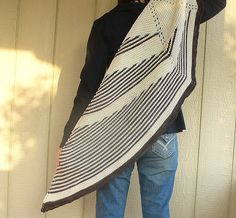 rooster shawl pattern half circle asymmetrical shawl; short row striping #pattern, #knitting